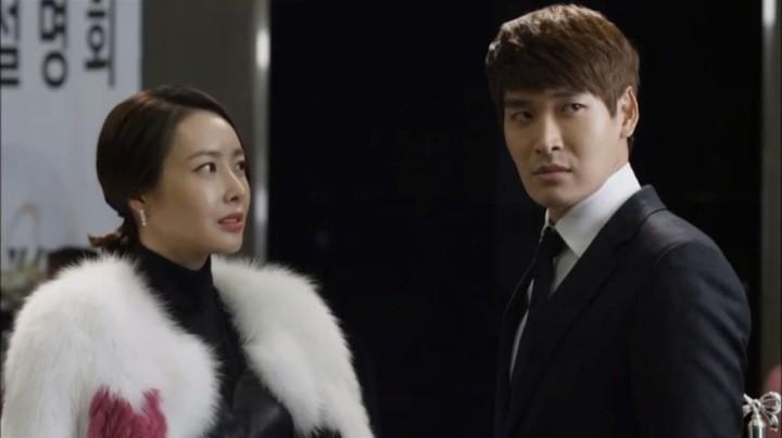 Chae Yeon and Kang Joon conspire