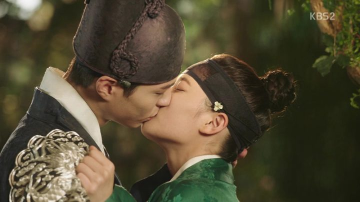 love in the moonlight drawn by clouds 10